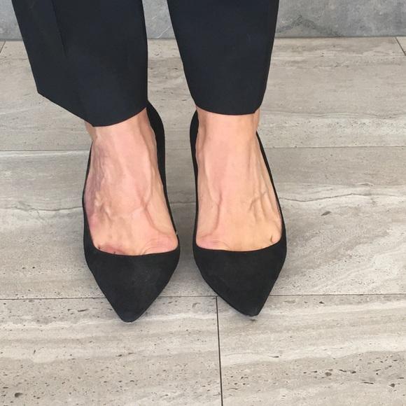 0d110a8adf Manolo Blahnik Shoes | Bb 70 Black Suede Pumps Euc | Poshmark